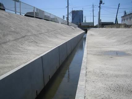 造成地や田畑などの周りに使用可能!大型フリューム『T-K水路』