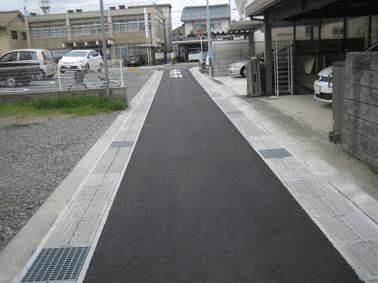幅員の狭い道路にも使用可能!かんたん側溝(落ち蓋)タイプ