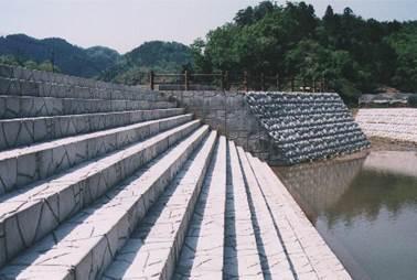 建築・外構工事で使用可能な階段ブロックのご提案